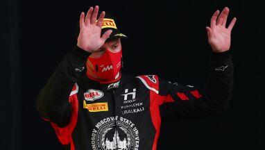Przyniósł wstyd swojemu zespołowi. Rosjanin i tak pojedzie w Formule 1