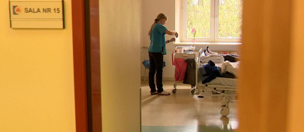 Ile w Polsce jest pielęgniarek? Sprawdzamy słowa Małgorzaty Kidawy-Błońskiej