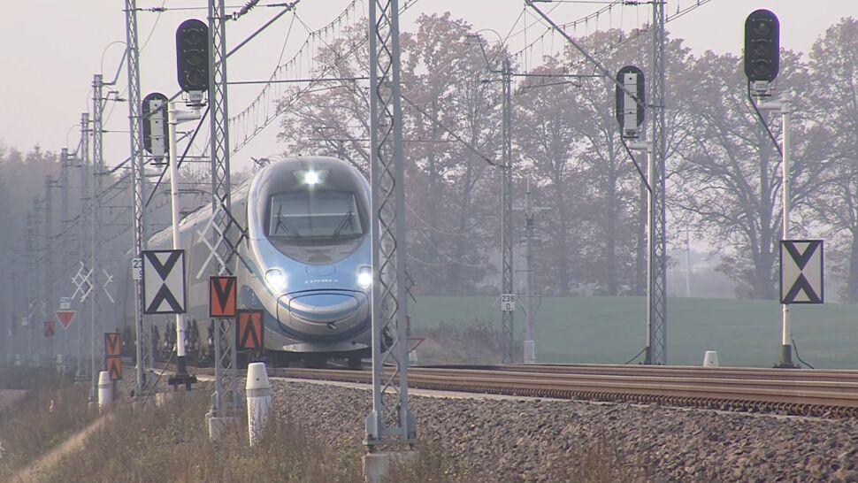 Trasa kolejowa Warszawa-Gdańsk zaczęła się sypać. Kilka lat po remoncie