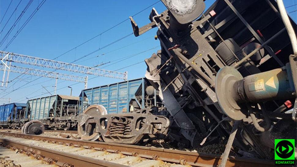 Wykoleił się pociąg towarowy. Utrudnienia dla pasażerów