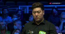 Yan Bingtao wygrał drugiego frejma w półfinale z Johnem Higginsem