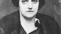 Fotografia portretowa Aleksandry Szczerbińskiej (później Piłsudskiej). Fotografia z kwietnia 1919 roku