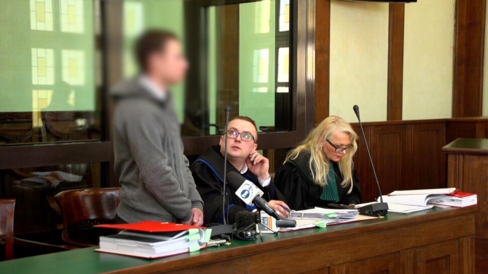 Matkę ranił, jej partnera zabił. 20-latek opisywał przed sądem dzień morderstwa