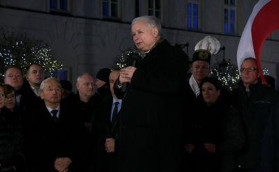 Kaczyński na miesięcznicy: przed nami jeszcze długa i trudna droga