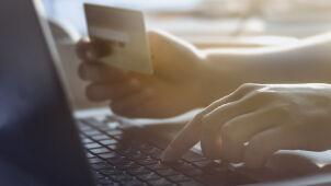 Europejczycy coraz chętniej kupują w internecie. Lider ze Skandynawii