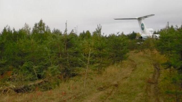 Tu-154 lądował w drzewach