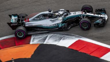 Popis Mercedesa w Soczi. Hamilton straszy