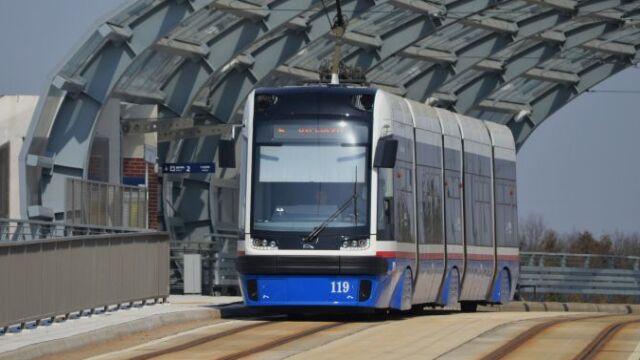 W tramwaju zaatakowali i znieważyli zagranicznych studentów