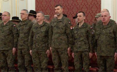 Uroczystość przekazania dowodzenia kolejnej zmianie żołnierzy z USA