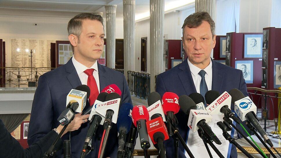 """Andruszkiewicz """"nie posiada honoru, aby złożyć rezygnację"""""""