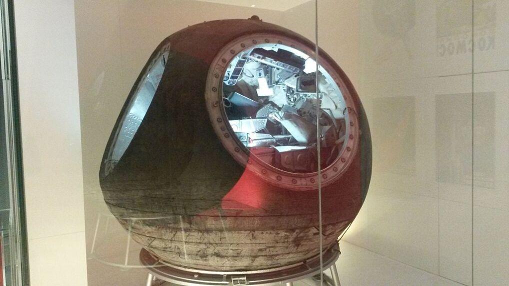 Kapsuła statku Woschod 1. Kapsuła Leonowa i Bielajewa wyglądała z zewnątrz identycznie