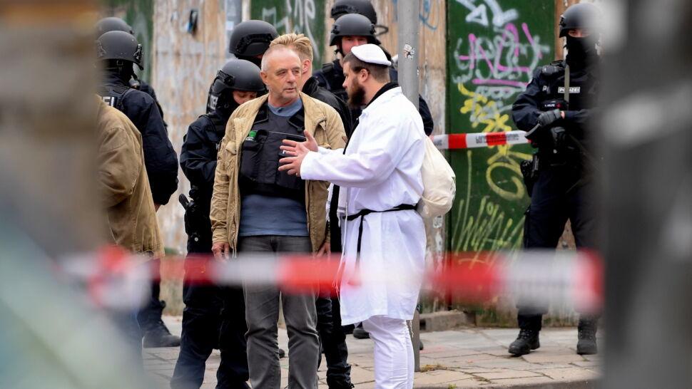 """Oskarżenia o brak policyjnej ochrony przed synagogą. """"Niedbalstwo się gorzko zemściło"""""""