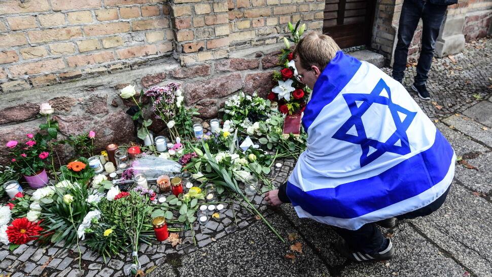 """Niemcy przeżywają """"dzień wstydu i hańby"""" po ataku przed synagogą"""