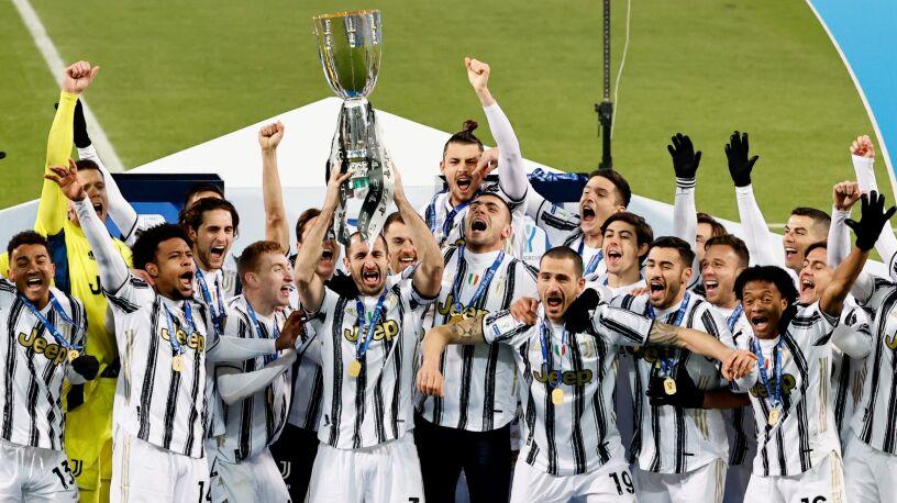Historyczny Ronaldo i kapitalny Szczęsny. Superpuchar Włoch dla Juventusu