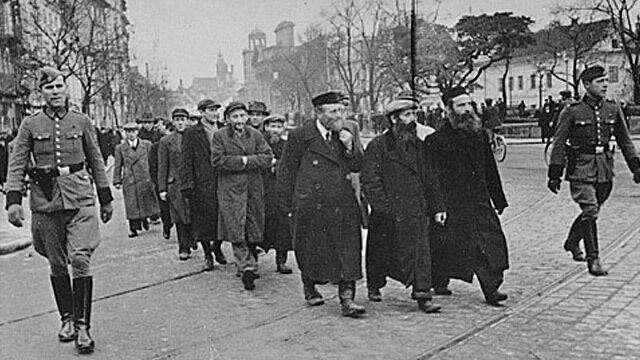 """Brytyjczycy piszą do Tuska ws. restytucji mienia żydowskiego. """"Pierwszy tego typu list"""""""