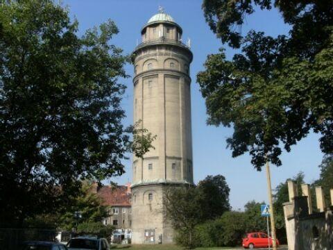 Stuletnia wieża na sprzedaż