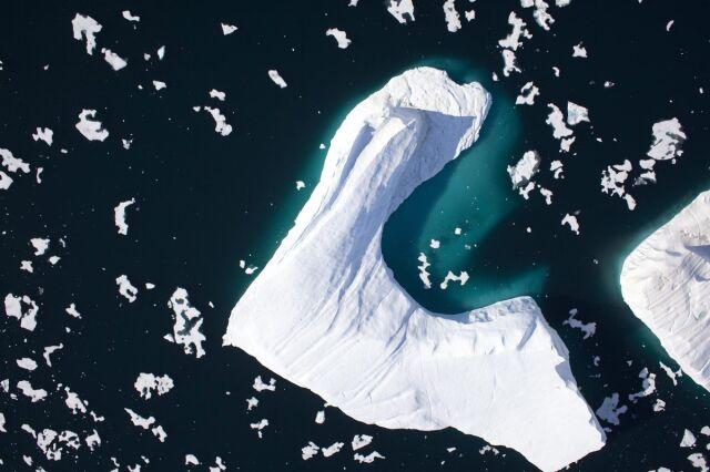 Gigantyczna góra lodowa oderwała się od Grenlandii