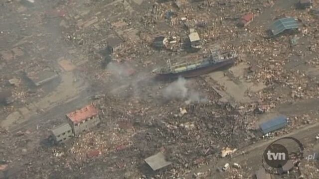 Wielkie zniszczenia w Japonii po trzęsieniu ziemi (APTN)