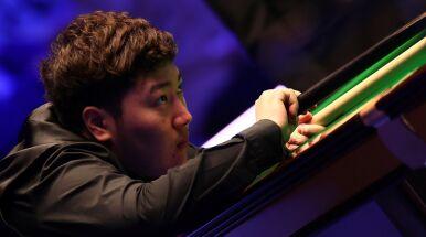 Numer 2 za burtą. Yan Bingtao w ćwierćfinale