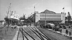 """Album """"100x100"""": Gdynia - port (sygn. 131-D-1-2) - 454 polubień"""