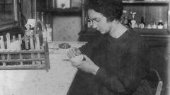 """Album """"100x100"""": Irena Joliot-Curie, francuska chemik i fizyk (sygn. 1-E-3962-1) - 303 polubień"""