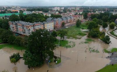 """""""Wody spadło tyle, że jeszcze dużo czasu minie, zanim ona opadnie"""". Elbląg podtopiony"""