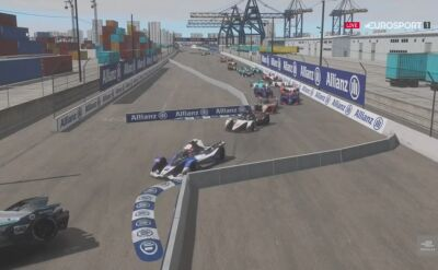 Emocjonujący start wyścigu na torze Electric Docks w kategorii kierowców