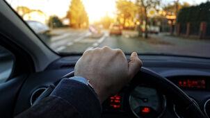 Wyjadą na drogi bez wizyty w urzędzie. Powstanie nowa forma rejestracji aut