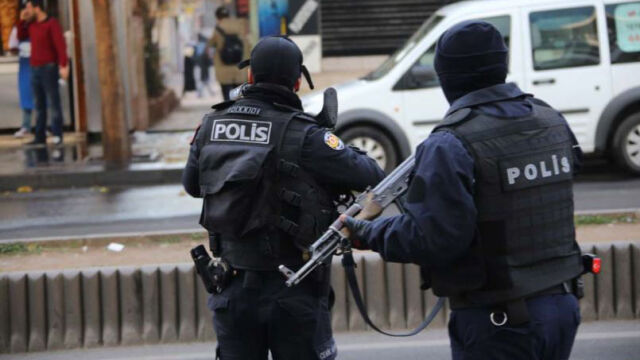 Tysiące policjantów zawieszonych  w obowiązkach