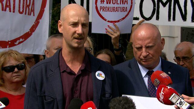 """Piotr Cykowski z """"Akcji Demokracji"""": jesteśmy tu wspierać sędziów, którzy bronią demokracji"""