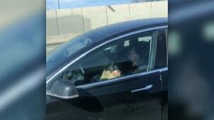Kierowca spał w trakcie jazdy.