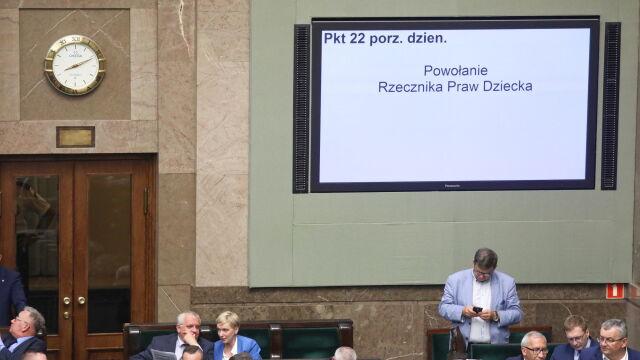 """Sejm nie wybrał Rzecznika Praw Dziecka. """"Nawet taka sprawa jest totalnie upartyjniona przez PiS"""""""