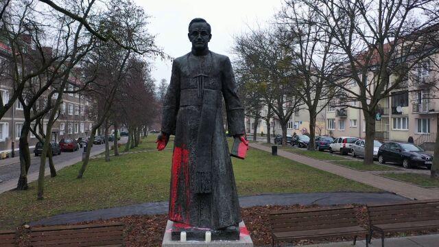 Adamowicz: w przestrzeni publicznej nie ma miejsca na pomnik księdza Jankowskiego