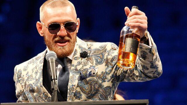 """""""McGregor nie wydaje dużo pieniędzy"""". Trener o nieznanym obliczu wojownika"""