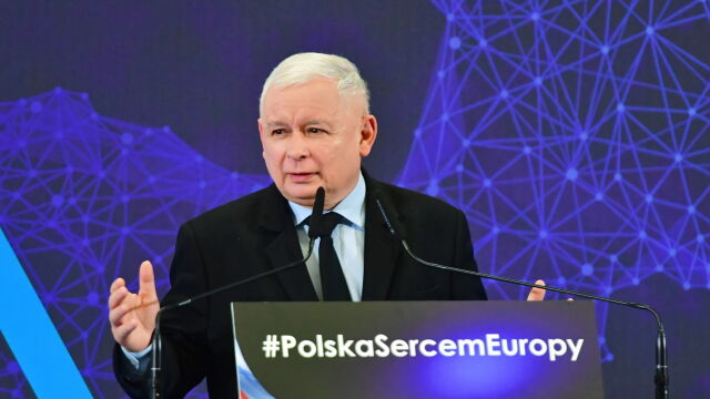 """""""Może nawet 30 lat więzienia"""". Kaczyński o """"bezlitosnej surowości"""" wobec pedofilów"""
