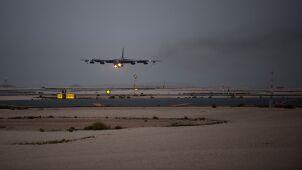 Amerykańskie bombowce wylądowały w Katarze. Odpowiedź na