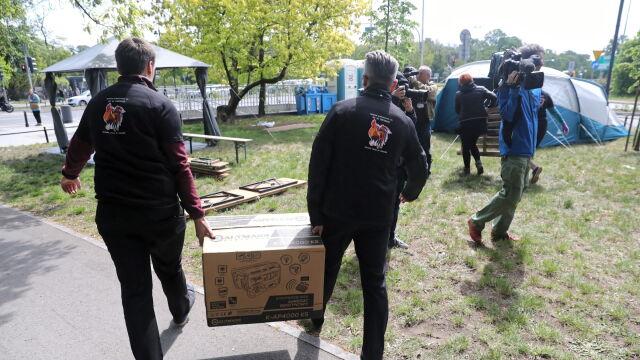 Namioty przed ministerstwem. Pracownicy prokuratur i sądów chcą podwyżek