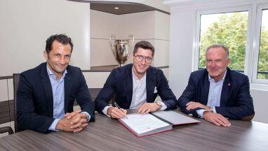 Koniec spekulacji. Lewandowski przedłużył kontrakt z Bayernem