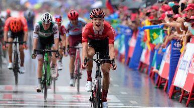 Deszczowy finisz dla Arndta. Dobry start kolarza CCC