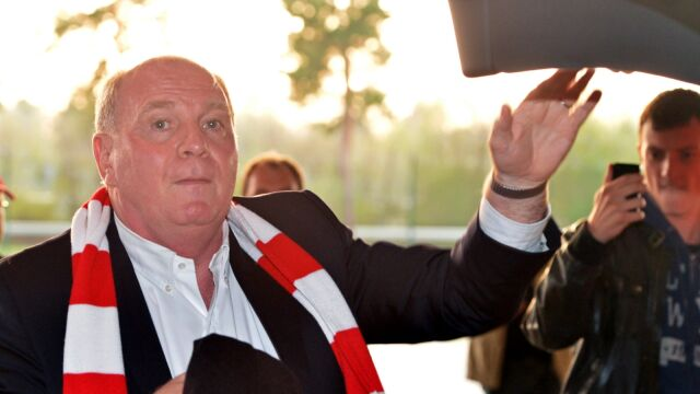 Triumf Bayernu w cieniu skandalu. Ukryte miliony prezesa Hoenessa