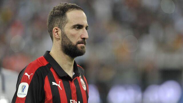 Zwalnia się miejsce dla Piątka. Higuain pominięty na mecz Milanu