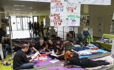 Pacjenci i profesor Szczylik na temat protestu głodowego