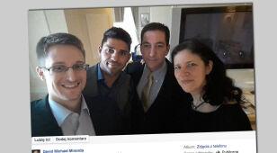 """""""Słitfocia"""" Snowdena. Z dziennikarzami-wspólnikami"""