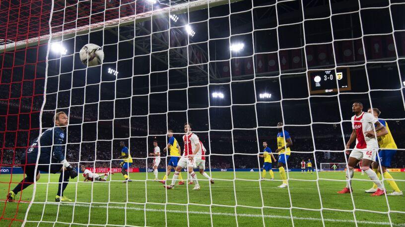 Dziesięć bramek wisiało w powietrzu. Ajax demoluje w kolejnym meczu