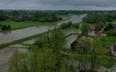 Mieszkańcy Suchego Gruntu walczą ze skutkami ulewnych deszczy