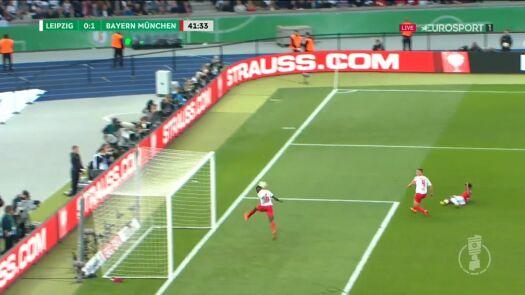 Finał Pucharu Niemiec: Coman zmarnował świetną okazję, Konate zastąpił bramkarza