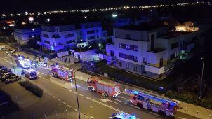 Ogień pojawił się na balkonie. Lokatorka ewakuowała się sama