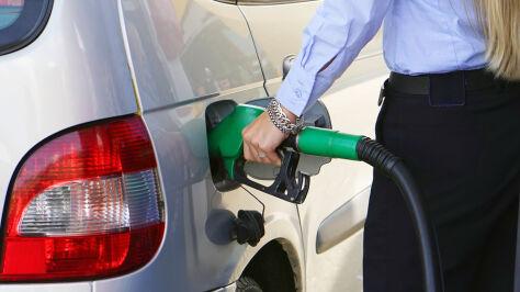 Czy gwałtowny wzrost cen ropy odbije się na kieszeniach kierowców?