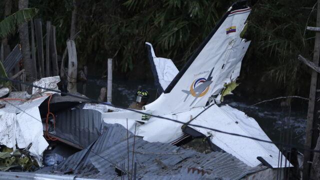 Samolot spadł tuż po starcie. Siedem osób nie żyje