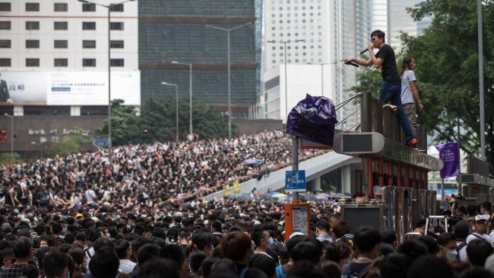 """""""Wzywam rząd Hongkongu, aby wysłuchał trosk swoich obywateli"""". Niepokój Londynu"""